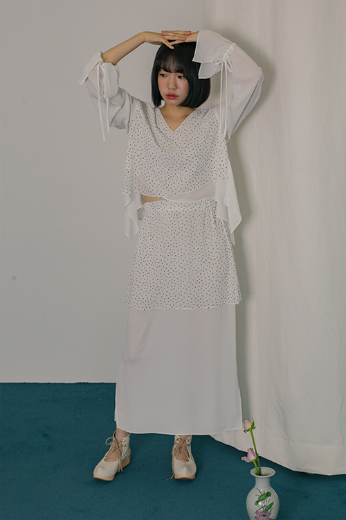 Wing skirt_white